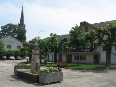 Môtiers town square
